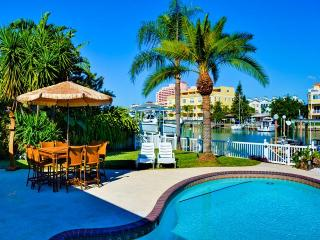 Bay Breeze House Beautiful 3.5 bedroom Waterfront home with pool, Clearwater