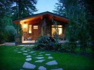"Charming Cottage ""Villa Johanne"" - From $120.00 CAD per night, Port Renfrew"