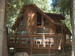 Regalado Is a Special Cabin !  Enjoy 3 bdrms, loft, 2 bath, Sleeps 10.
