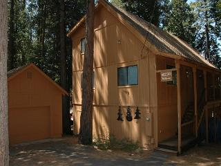 Golf Privileges & relax at The Vetter Cabin -  3 bedrooms, 3 baths, sleeps 8