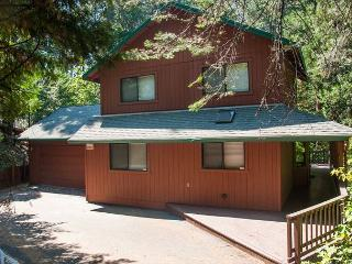 Beautiful private home with gorgeous deck. 3 bedrooms, 3.5 baths, sleeps 10.
