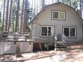 Pet & Kid Friendly Mountain Getaway has 3 bdrms, loft, 2 baths, sleeps 10., Arnold