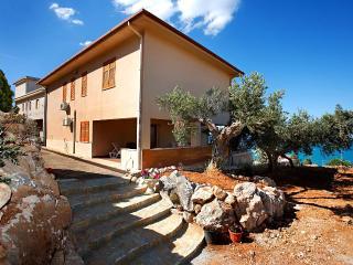 Rinova Vacation Villa's Rental, Castellammare del Golfo