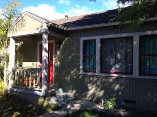 $200/$350 -  Casa Puerta Roja - Santa Barbara