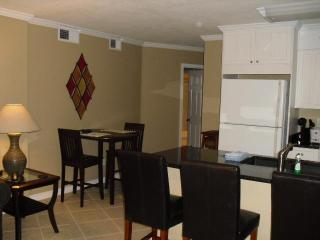 Tradewinds 2 Bedroom 2 Bath With Ocean Views From Each Room !, Orange Beach