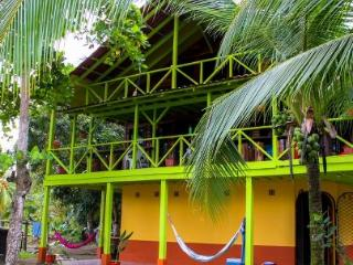 Beach House / Family Friendly / Big Groups / Wi-FI / Close to Town, Parque Nacional Corcovado