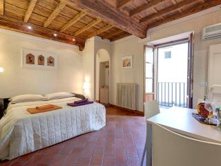 Apartment Cupolone Tuscan Vacation Rental in Florence
