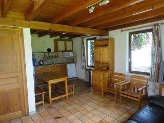 cuisine/salle à manger petit gîte
