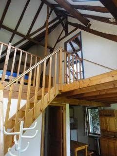 escalier vers étage petit gîte