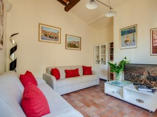 Lovely 2 Bedroom Apartment Rental in Florence near Duomo
