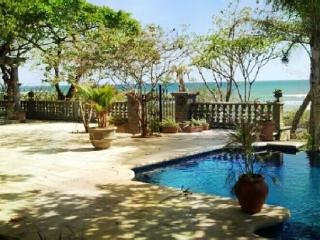 Casa Libelula - Beautiful Ocean Front Estate, Tamarindo