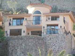 Montecristo Estates Luxury Cliffside Villa