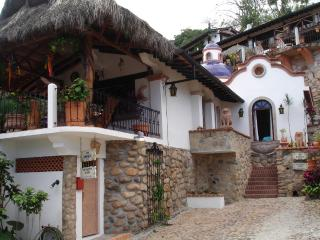 Spanish Villa with Ocean View 100 steps from Beach, Puerto Vallarta