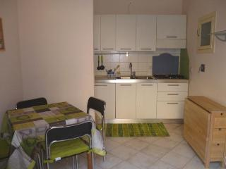 Rear Window-Small apt in center - up to 4 people, Turin