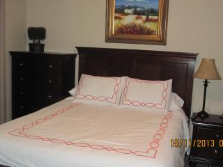 Room 1 - Queen Bed - Ensuite
