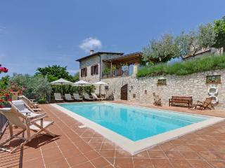 Borgo Aquaiura:Cisterna, Pompagnano