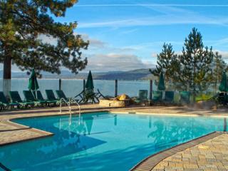 Red Wolf Lakeside Lodge: Lakeside, 2 Bedroom Villa