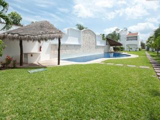 Mayamar Cosy Family House Minutes to the Beach, Playa del Carmen