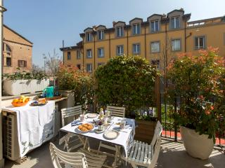 HILLSIDE - Prestigious, Very Central, Elegantly Furnished, Terrace, Garage, Bologna