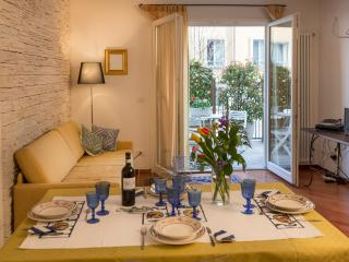 HILLSIDE is light-and-bright, roomy, convenient, elegant. One of the top rentals in Bologna.