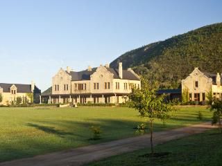 Kurland Villa, near S.A.'s Plettenberg Bay, Villa on Polo Estate, sleeps 16 in Luxury, Private Pool, Sauna, The Crags