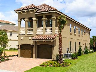 W153 - 5 Br Golf View Home on Castle Pines Reunion, Kissimmee