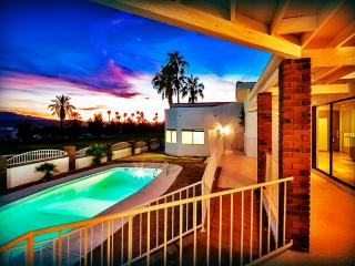 BEAUTIFUL! On Golf Course w/Pool & RV/Boat Garage!, Lake Havasu City