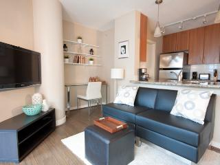 Best Downtown Location 2BR Condo with Pool, Patio, Vancouver