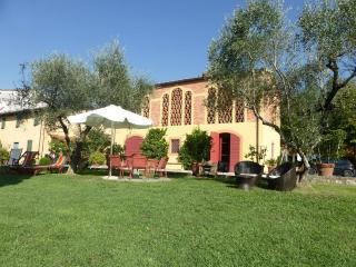DOLCE MIELE up to 6 sleeps in the countryside with