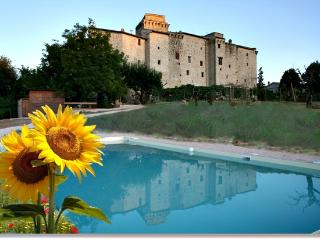 apartments in castle near to Todi 808