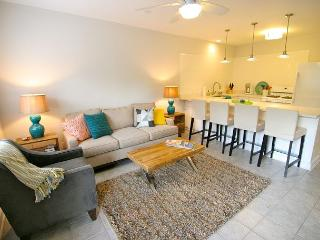 The Mellow Yellow #2 - 2BR/1BA Updated Casita -Walk to South Lamar and Zilker, Austin