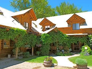 100 Acre Wood Lodge & Adventure Outfitters, North Fork