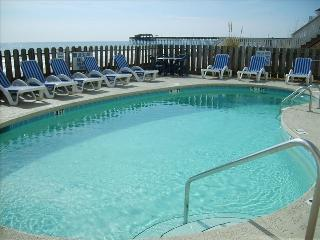 Garden City*Direct Oceanfront, Wifi, Pool, & More!, Garden City Beach
