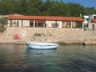 Holiday villa by the sea, Hvar