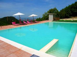 Villa Marianna : APT C, 7 miles to central Spoleto