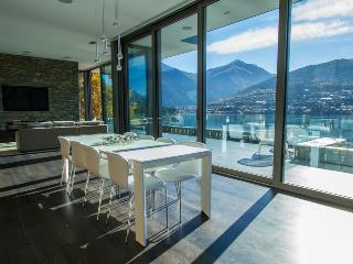 Lakeside Luxury, Queenstown
