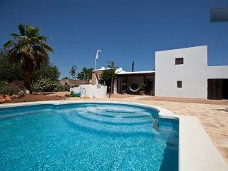 Family friendly farmhouse in the center of Ibiza, San Lorenzo