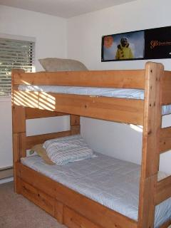 3rd Bedroom with Bunk Beds (2 twins)