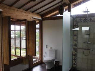 Gorgeous Teak 3bdrm House near Echo Beach, Pererenan