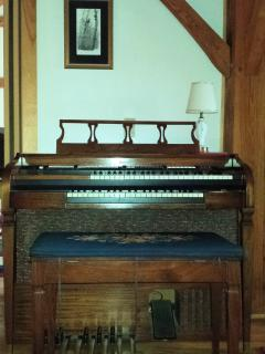 Vintage Baldwin Electric Organ!