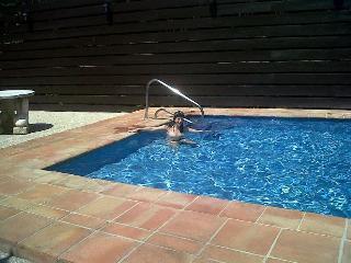 Private Villa, garden and pool.. Walk to Beach