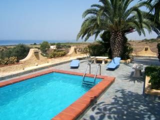 Una terrazza sul mare - Villa con piscina, Sciacca