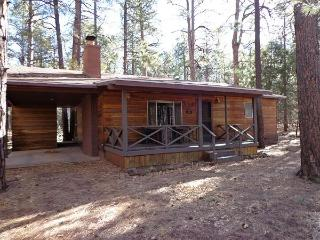 Walk to the White Mountain Summer Homes Fairway!, Pinetop-Lakeside