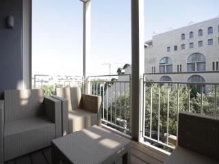 MAMILA LUXURY APT 2br - 1300ft2 (120sqm) Jerusalem