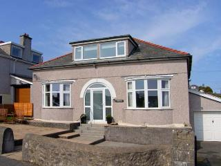 PENMAEN, detached cottage, family and pet-friendly, Smart TV, close to beach, in