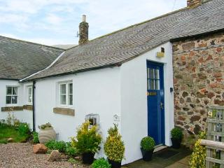 AKELD COTTAGE, pets welcome, WiFi, complimentary horse riding, detached cottage near Wooler, Ref. 904419