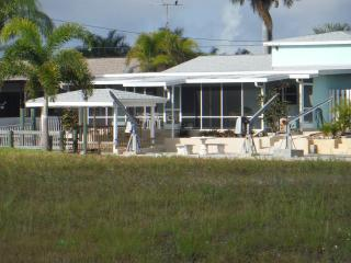 Matlacha Direct Gulf Acess Home With Boat Dock