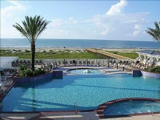 Beachfront Escape Pointe West Resort, Galveston, Amazing Views 2B/2FB Garage Pkg