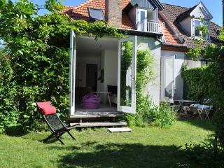 Charming townhouse with a small romantic garden