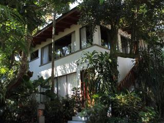 Studio Apartments, Costa Verde inn, Bed & Breakfast.